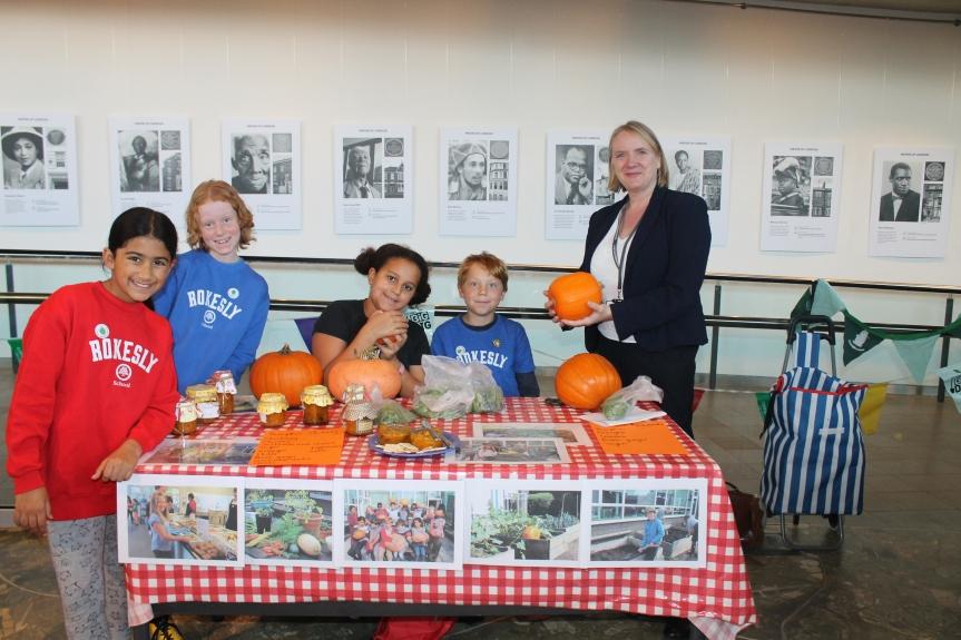 Joanne McCartney AM celebrates Haringey's food growing pupils at CityHall